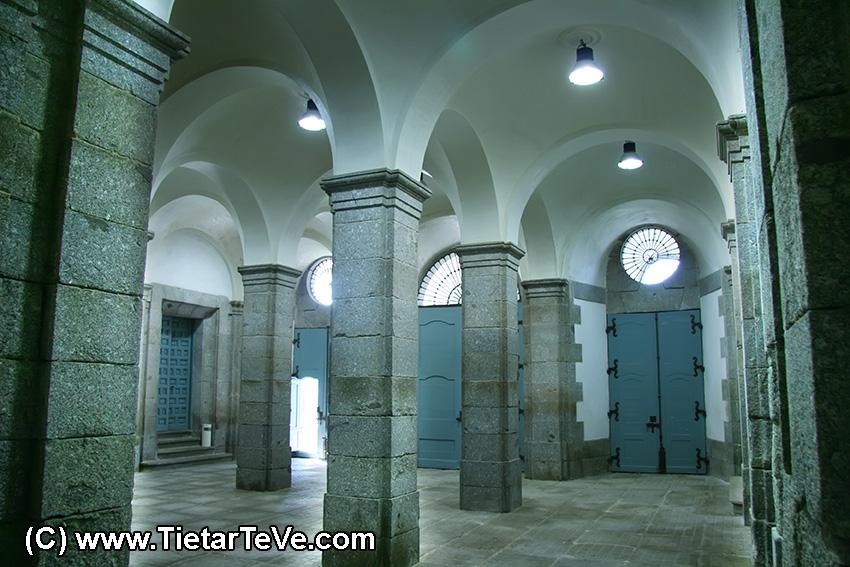 Palacio del Infante don Luis de Borbón y Farnesio de Arenas de San Pedro - TiétarTeVe