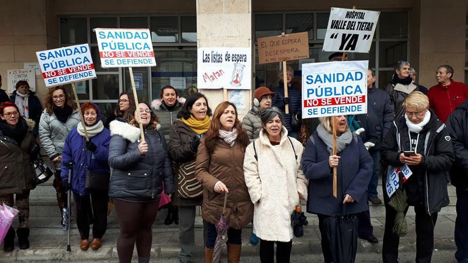 Manifestación de la Plataforma en Defensa de la Sanidad Pública en el Valle del Tiétar - TiétarTeVe