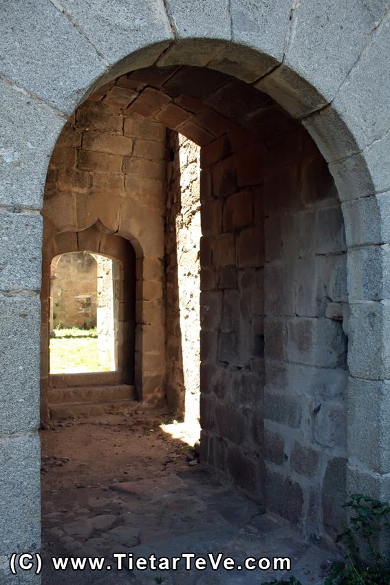 Castillo de los Duques de Alburquerque - Mombeltrán - TiétarTeVe