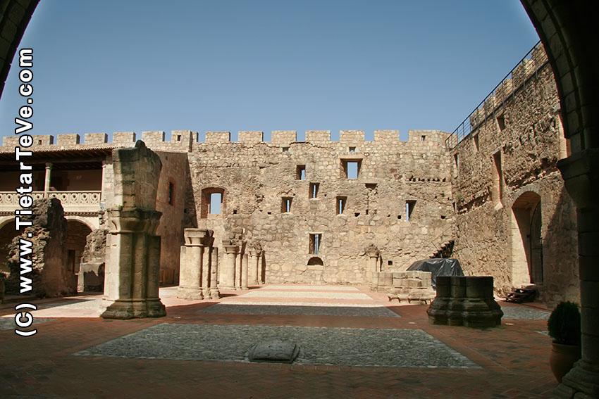 Castillo La Adrada - TiétarTeVe