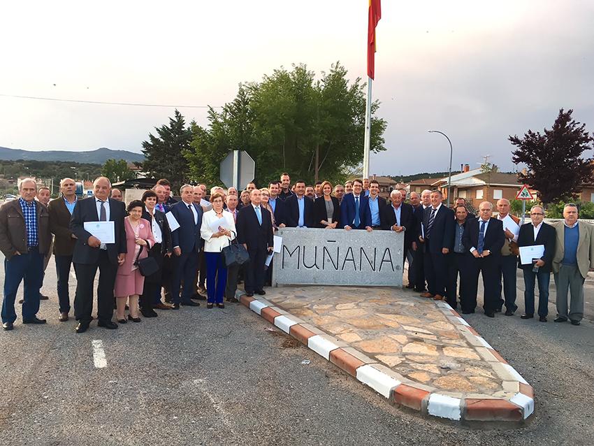 Homenaje a Alcaldes PP en Muñana - TiétarTeVe