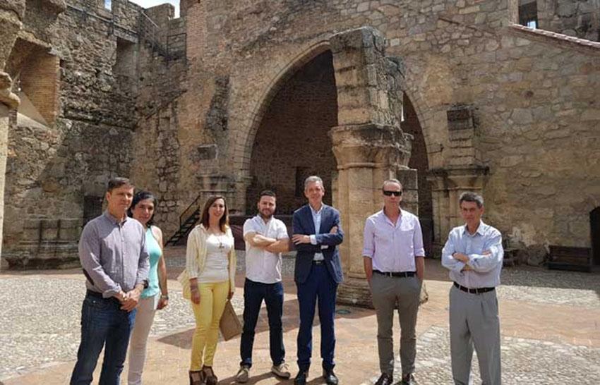 Delegado JCyL en castillo de La Adrada - TiétarTeVe
