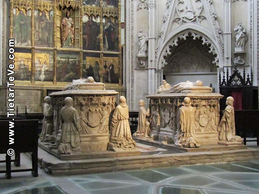 Tumba de don Álvaro de Luna y doña Juana de Pimentel en la Catedral de Toledo - TiétarTeVe