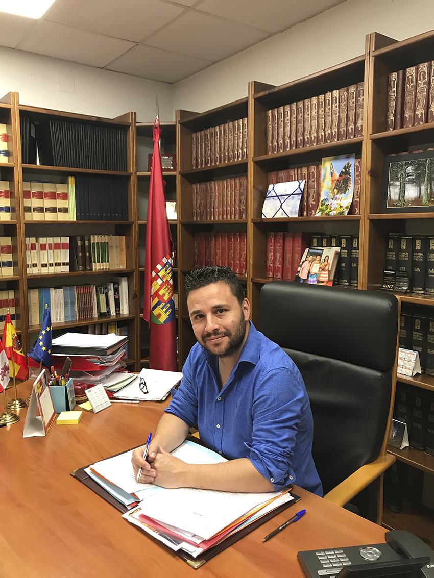 Roberto Aparicio - Alcalde de La Adrada - TiétarTeVe