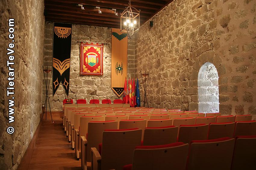 Sala de Conferencias del Castillo del Condestable Dávalos de Arenas de San Pedro - TiétarTeVe