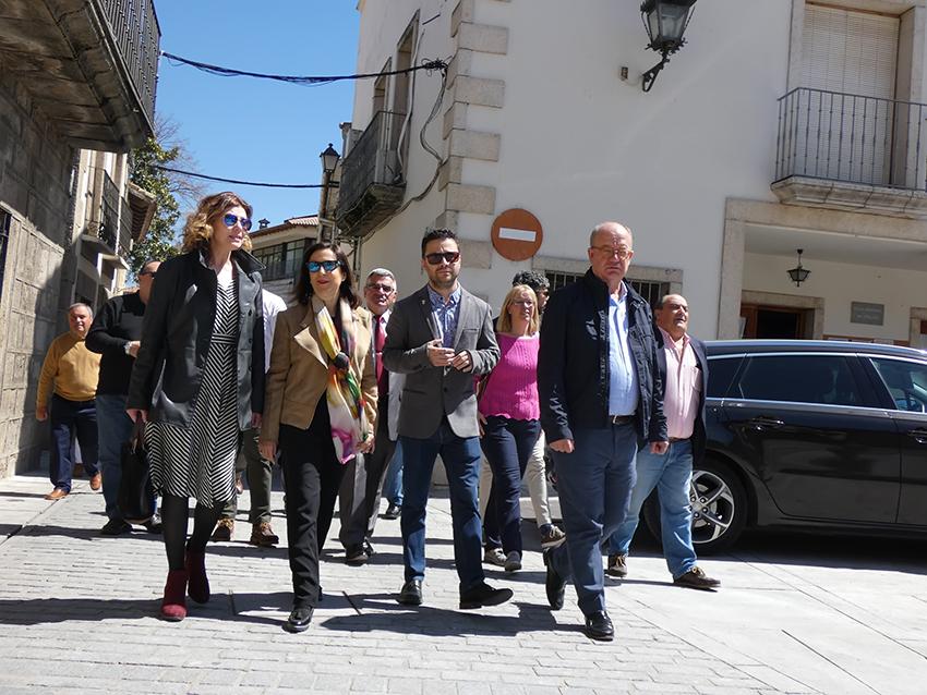 Margarita Robles en La Adrada - TiétarTeVe
