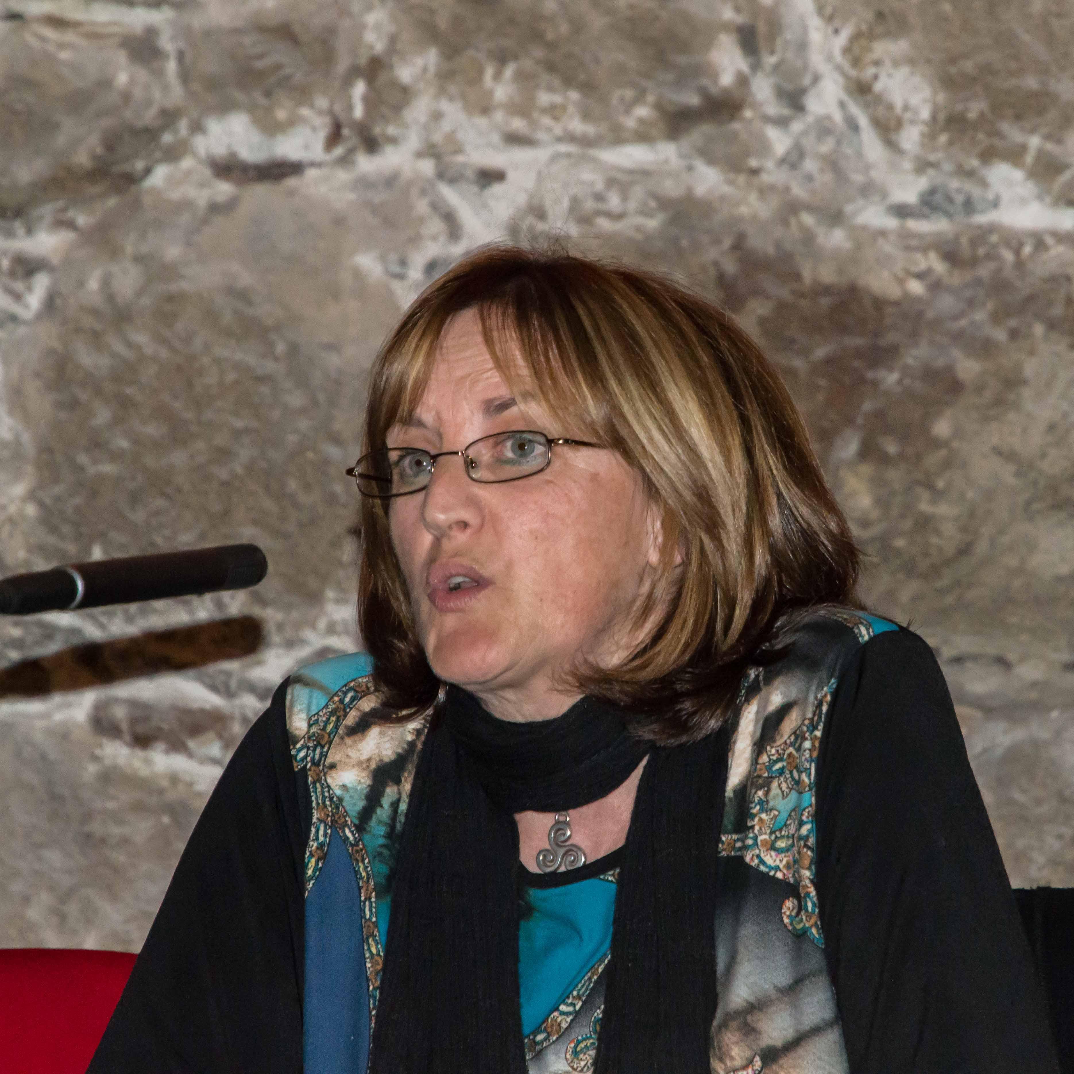 Carmen Gil - IU Arenas de San Pedro - TiétarTeVe