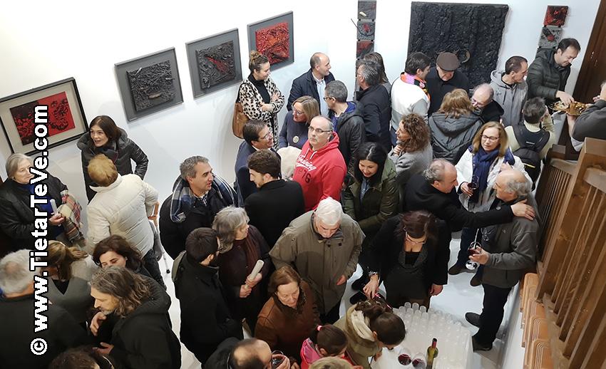 """Inauguración del Centro Cultural y de Turismo """"Alcalde Licinio Prieto"""" con obras de Cristo Peregrín García y Alberto Illescas Moreno - Cuevas del Valle - TiétarTeVe"""