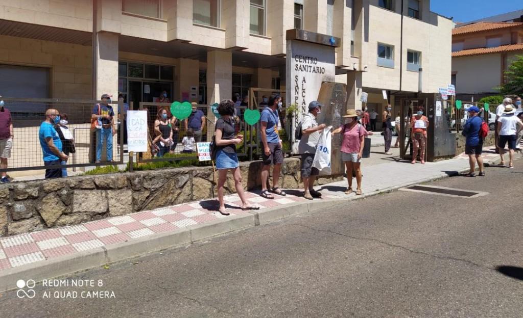 2020-06-20 Concentración en defensa de la Sanidad Pública Rural en Arenas de San Pedro - TiétarTeVe