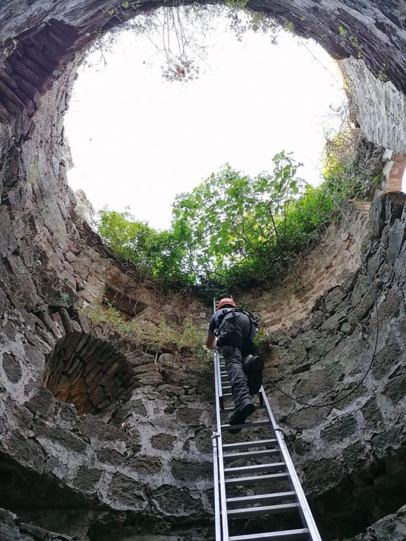 2020-06-25 Desbroce Torres Castillo del Condestable Dávalos - Arenas de San Pedro - TiétarTeVe