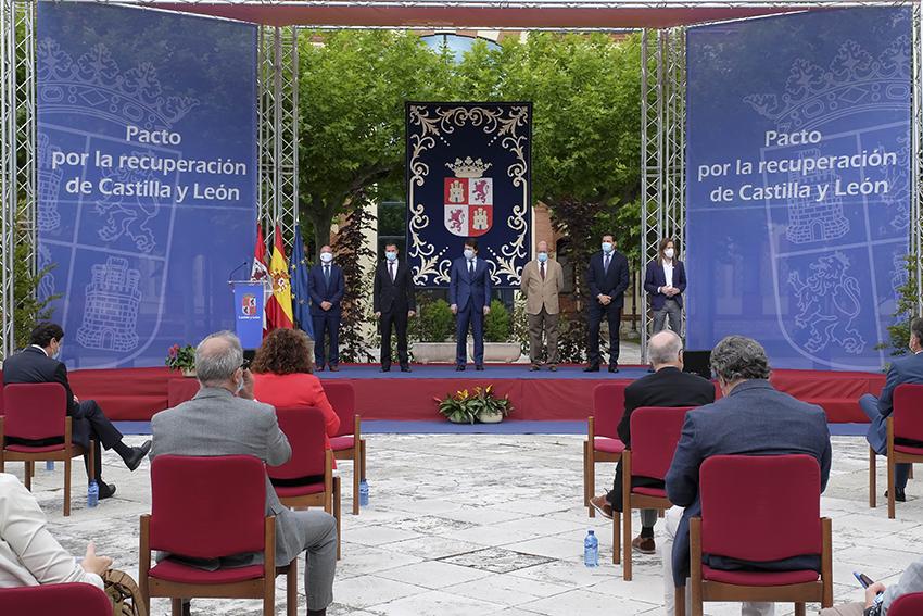 Firma del Pacto por la Recuperación Económica de la Junta de Castilla y León - TiétarTeVe