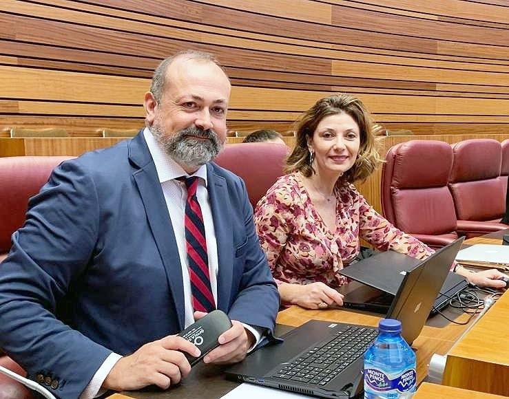 Soraya Blázquez y Miguel Hernández - Procuradores PSOE CyL - TiétarTeVe
