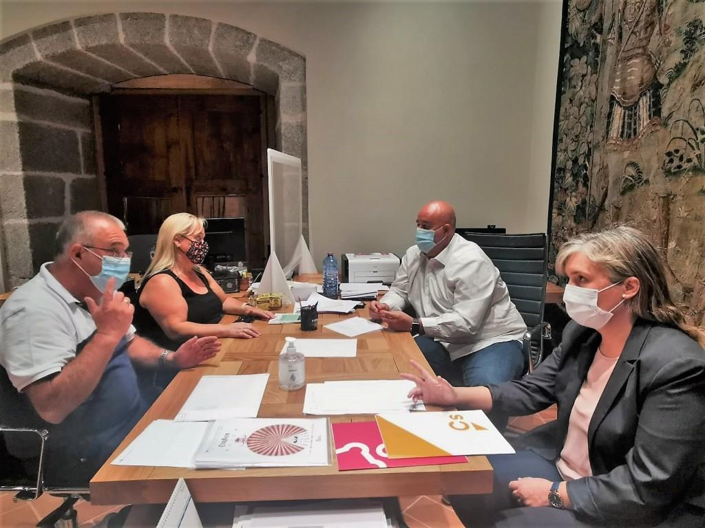 Reunión Ciudadanos y Feriantes - TiétarTeVe