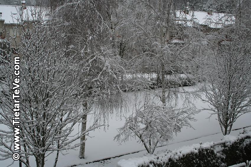 Gran nevada en Arenas de San Pedro del 29 de enero de 2006 - TiétarTeVe