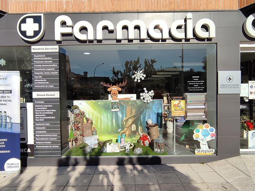 2021-01-05 Escaparates Navidad Arenas de San Pedro - Primer Premio: Farmacia Corona