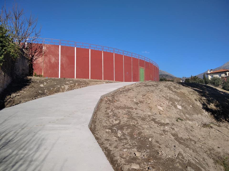 Mombeltrán - Acceso Plaza de Toros - TiétarTeVe