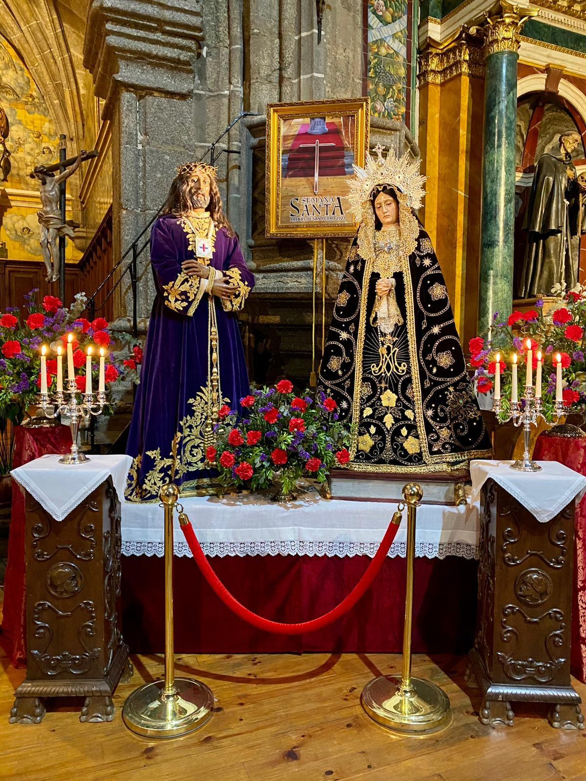 Altar de Cultos en la Parroquia de Muestra Señora de la Asunción de Arenas de San Pedro, con motivo de la Semana Santa 2021