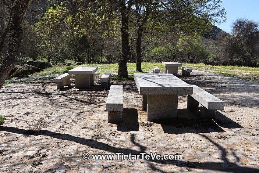 Zona Recreativa Parque Sonoro - La Dehesa - Higuera de Las Dueñas
