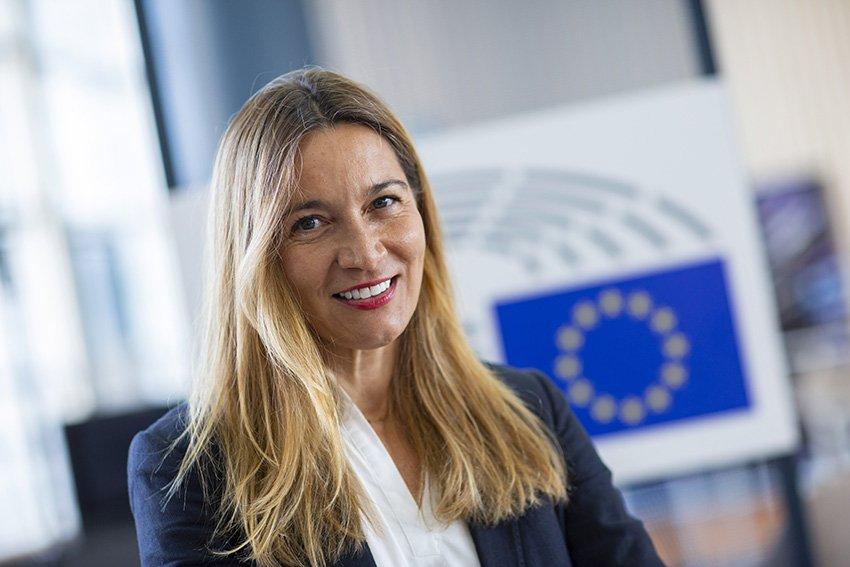26 Jun 2020 - Brussels, Belgium - Portrait of MEP Susuna Solís in the European Parliament premises. © Bernal Revert/ BR&U. Photo licensed under Creative Commons BY-NC-ND 4.0