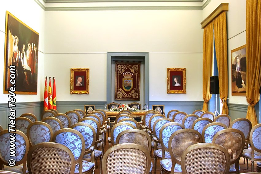 Salón Goya del Palacio del Infante don Luis de Borbón (o Palacio de La Mosquera) de Arenas de San Pedro