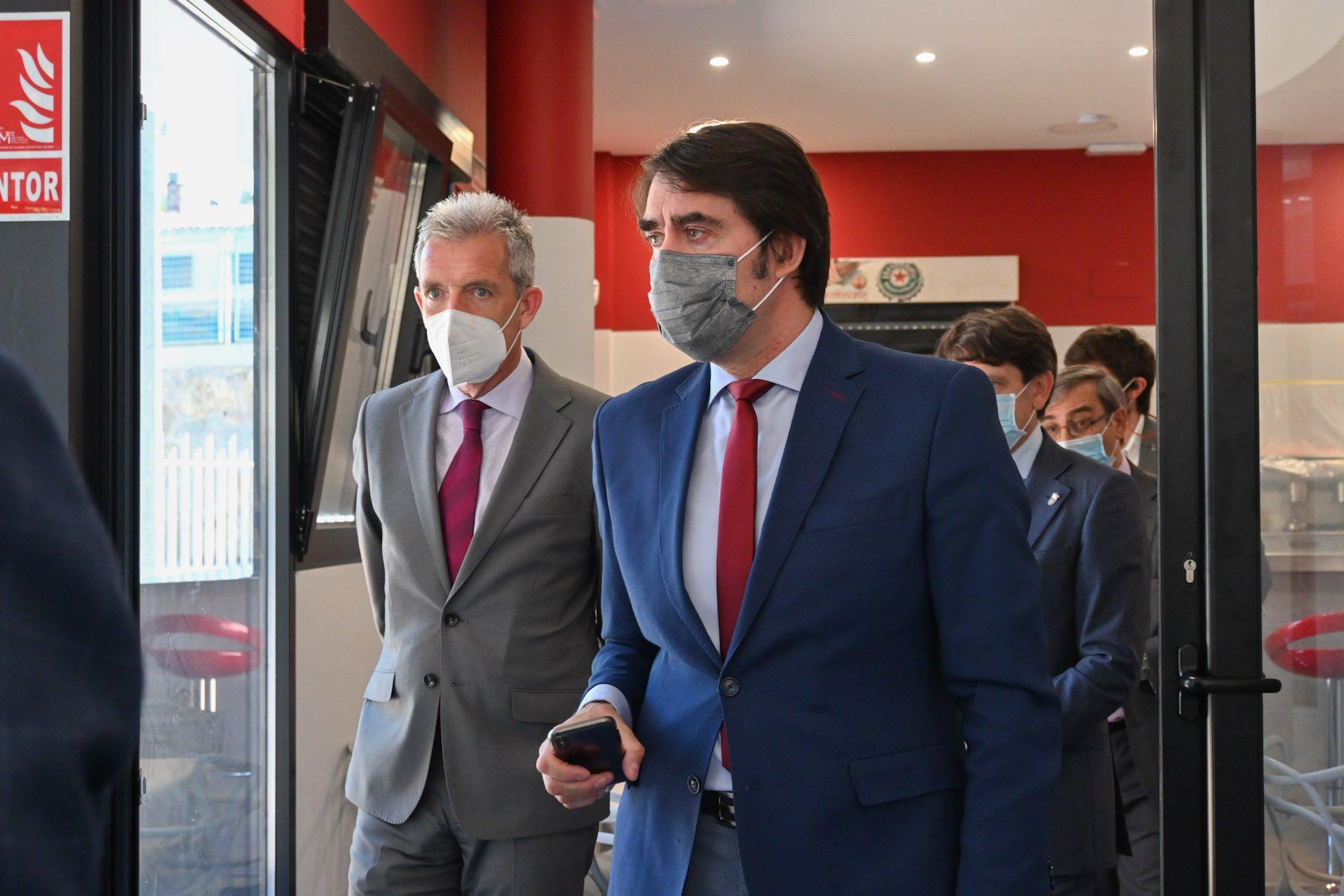 Consejero de Fomento y Medio Ambiente de la JCyL, Juan Carlos Suárez-Quiñones, y  delegado territorial de la Junta de Castilla y León, José Francisco Hernández