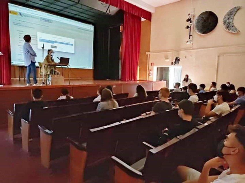Explicaciones a alumnos - Programa ReactivaFP - IES Arenas de San Pedro