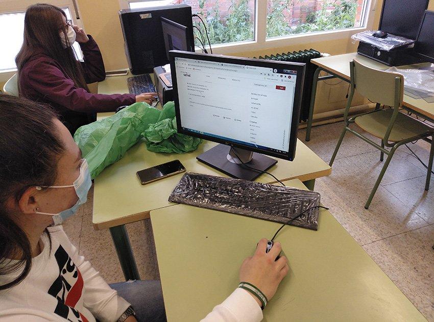 Alumnos trabajando - Programa ReactivaFP - IES Arenas de San Pedro